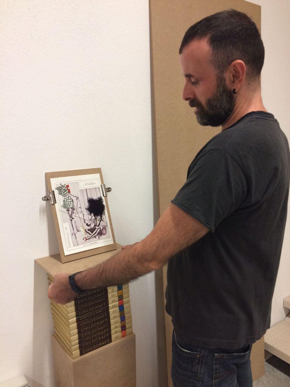 Seb Patane, work in progress dell'allestimento a Palazzo Vigo di Torre Archirafi (Ct)